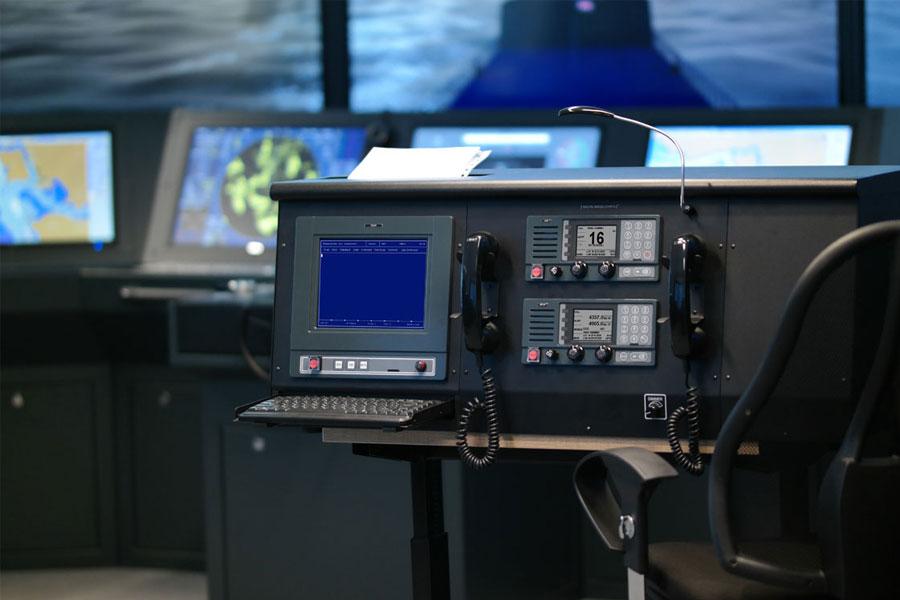 MANIOBRA 1.22 – Simulador de Maniobra y Trabajo de Equipo en el Puente